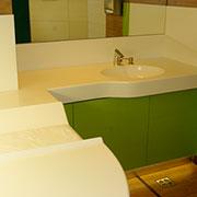 blat łazienkowy ze zintegrowaną umywalką